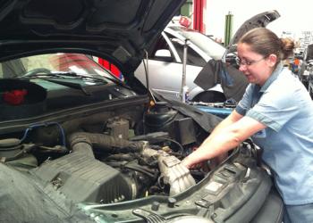 Revisão do sistema de arrefecimento protege os componentes do motor