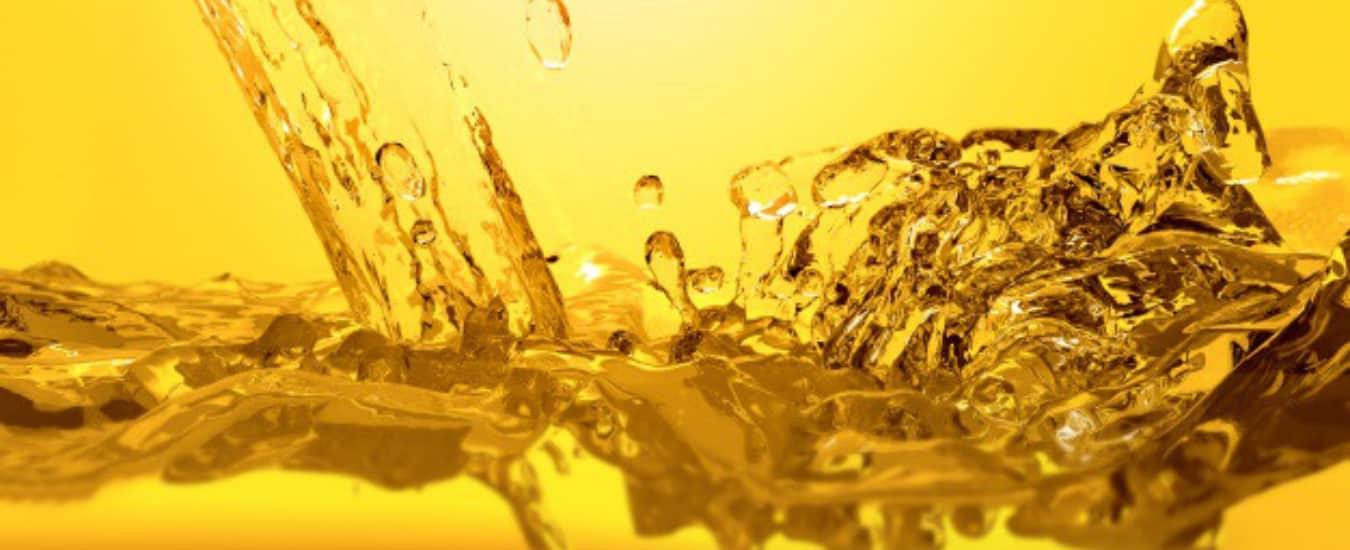 Verso Comunicação - Benefícios dos óleos lubrificantes sintéticos para a performance do motor do veículo